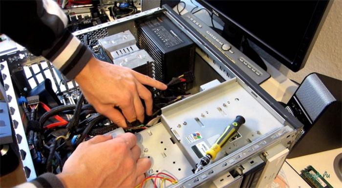 Чтобы почистить устройство от пыли или собрать компьютер своими руками, необходимо разобрать его